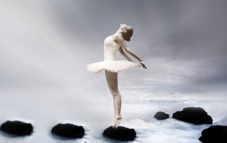 ballerina-3055155_1280